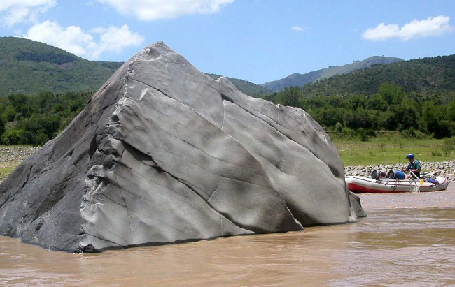 One of many spectacular rocks in the river.